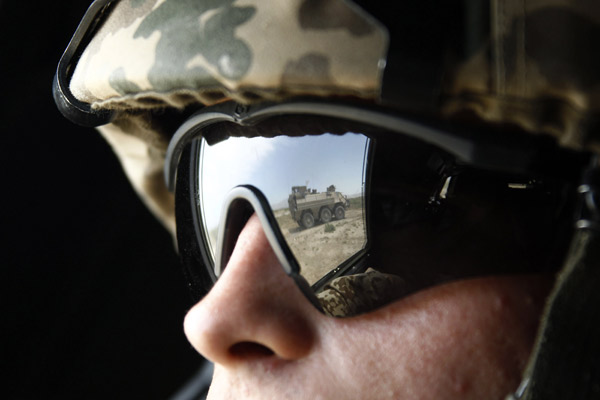 british military oakley sunglasses  we offer the full range of smith elite optics, oakley si & revision military eye protection, backed up with expert eyecare advice from an optometrist.